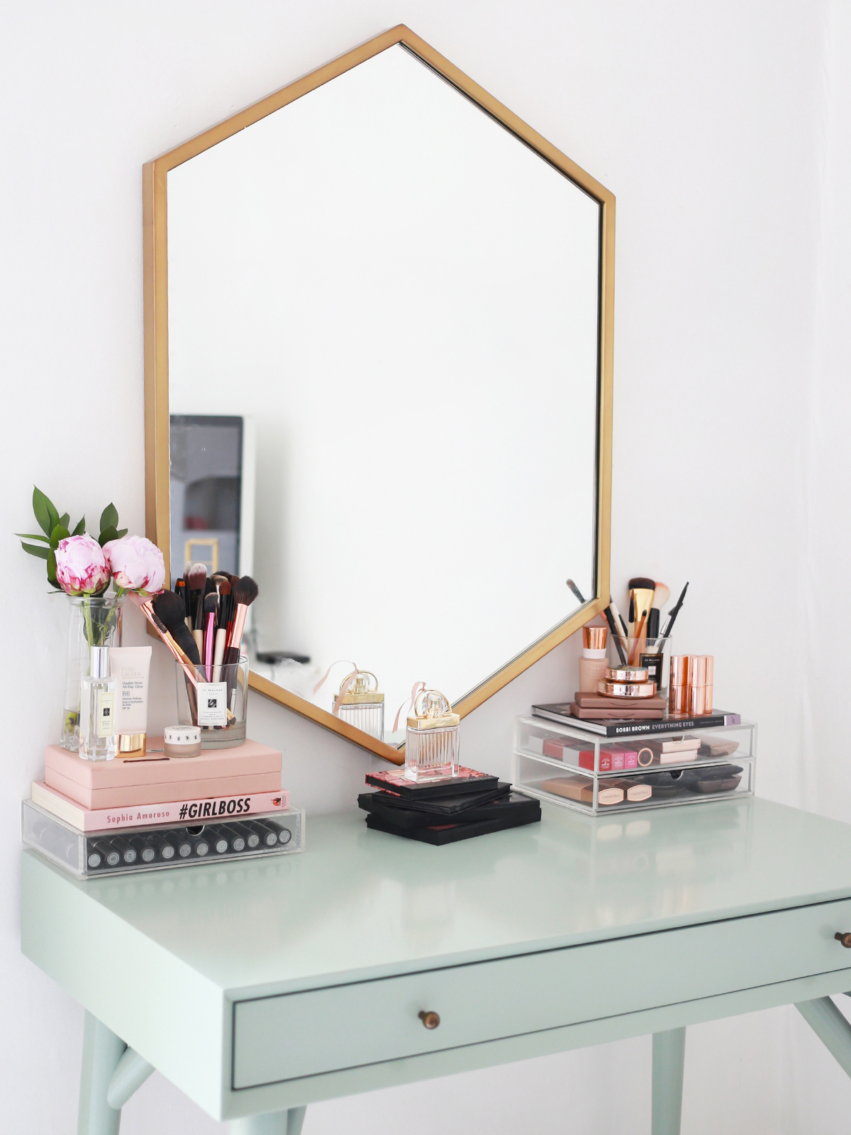 My makeup collection kate la vie bloglovin for Makeup vanity table and mirror